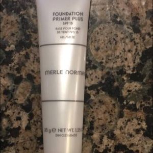Merle Norman foundation primer plus